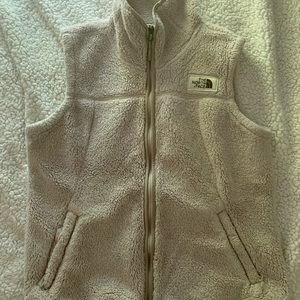 North face fluffy vest